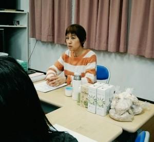 講師の福岡成海先生